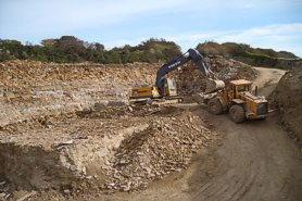 """Digging & loading at the quarry hole"" - Click for a bigger picture!"